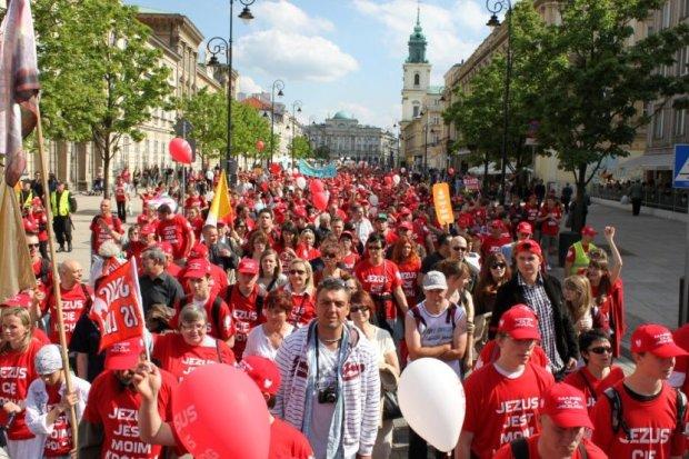 z13923760QPierwszy-ogolnopolski-Marsz-Dla-Jezusa-zostal-zorg